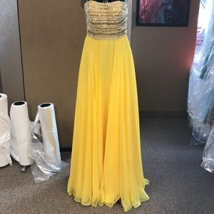 Sherri hill yellow prom dress